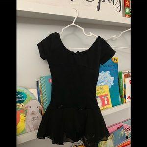 Toddler 4-6 leotard dance. Black w attached tutu.